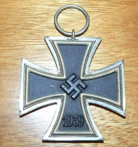 Click image for larger version.  Name:GERMAN WW11 IRON CROSS 2nd CLASS  MEDAL 3.jpg Views:17 Size:190.3 KB ID:839514