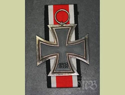 Eisernes Kreuz 2. Klasse, Knights Cross Size