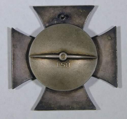 Eisernes Kreuz 1. Klasse Cased screwback
