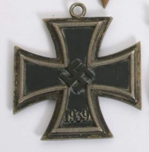 Click image for larger version.  Name:knights cross front.jpg Views:39 Size:22.7 KB ID:851553