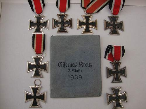 Click image for larger version.  Name:medals 100.jpg Views:78 Size:229.0 KB ID:90361