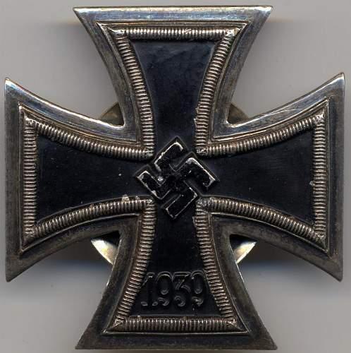Eisernes Kreuz 1. Klasse screw back with two disc