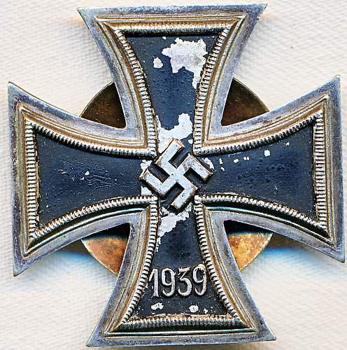 Eisernes Kreuz 1. Klasse Assmann Screw Back two disc