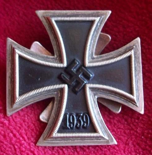 Eisernes Kreuz 1. Klasse, New rare screw back arrival