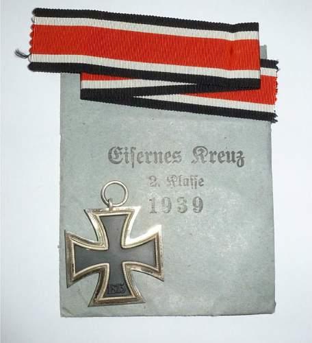 Maker 333 for Eisernes Kreuz 2. Klasse........... Is there such a maker????
