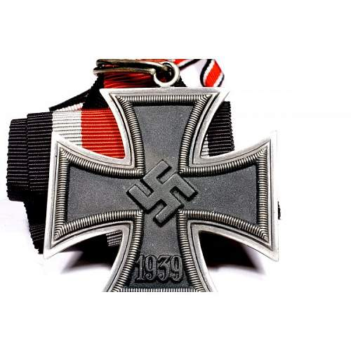 Click image for larger version.  Name:wwii-german-knights-cross-4.jpg Views:133 Size:73.8 KB ID:994312