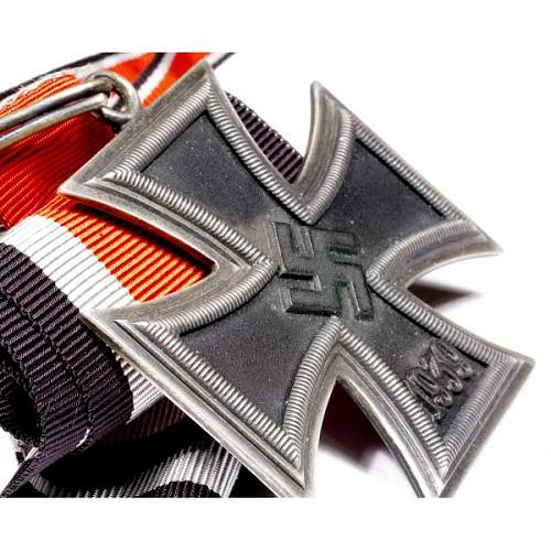 Click image for larger version.  Name:wwii-german-knights-cross-5.jpg Views:58 Size:95.8 KB ID:994313