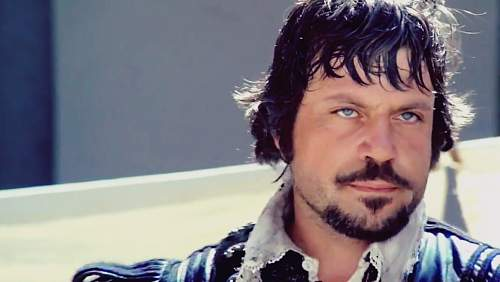 Click image for larger version.  Name:968full-oliver-reed.jpg Views:0 Size:276.5 KB ID:1003366