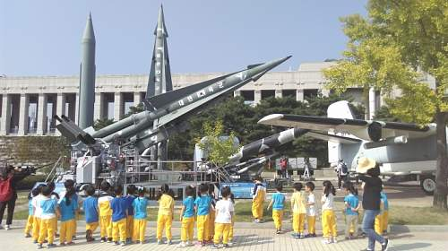 Click image for larger version.  Name:missiles.jpg Views:3 Size:252.5 KB ID:1008361