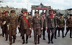 250px-Allies_at_the_Brandenburg_Gate%2C_1945.jpg