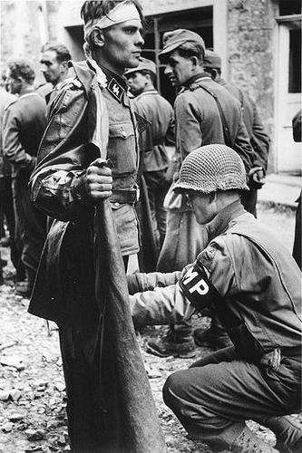 Iconic Normandy photos Robert Capas Then and Now. - Page 2