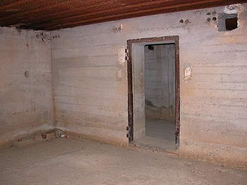 Click image for larger version.  Name:bunker.jpg Views:1 Size:74.1 KB ID:395054
