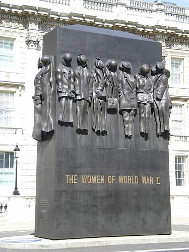 Click image for larger version.  Name:Memorial_Women_WWII.JPG Views:47 Size:132.7 KB ID:406316