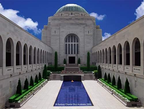 Sydney Charter Bus - War Memorial Canberra -.jpg
