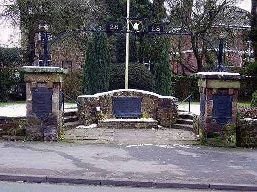 Click image for larger version.  Name:Codsall%20War%20Memorial%201_.jpg Views:38 Size:357.4 KB ID:406467