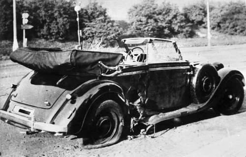xxx-Bundesarchiv_Bild_146-1972-039-44,_Heydrich-Attentat.jpg