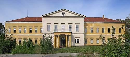 Lower castle 2.jpg