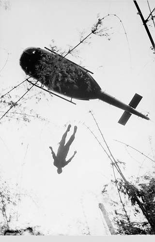 1966, the body of an American paratrooper killed in action in the jungle near the Cambodian bord.jpg