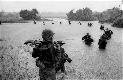 Sept. 25, 1965 paratroopers of the U.S. 2nd Battalion, 173rd Airborne.jpg