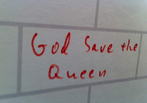 god-save-the-queen.jpg