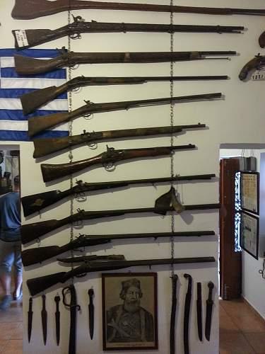 greek weapons.jpg