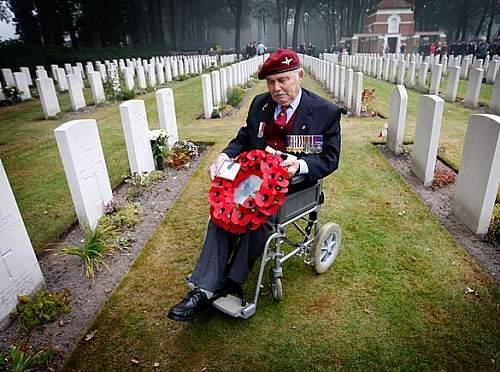 Don at Ben's grave.jpg