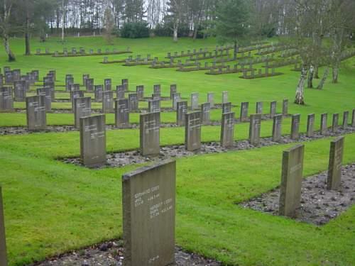 Cannock Chase German Cemetery 012.jpg