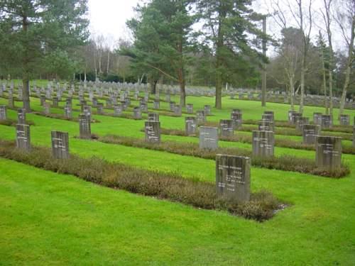 Cannock Chase German Cemetery 017.jpg