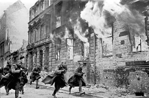 World-War-2-Battle-of-Berlin-01.jpg