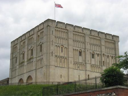 lowestoft_norwich-castle_may-09.jpg