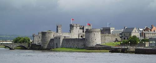 Click image for larger version.  Name:800px-King_John's_Castle_in_Limerick.jpg Views:2 Size:43.0 KB ID:596174