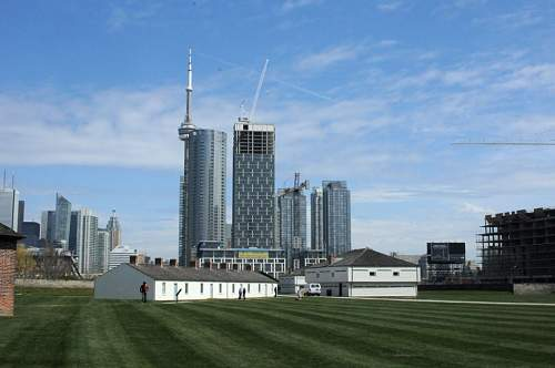 Click image for larger version.  Name:fort_york2.jpg Views:0 Size:81.6 KB ID:596191