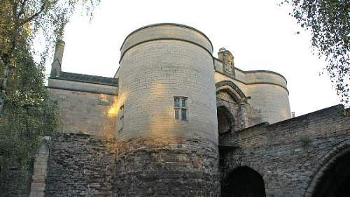 nottingham-castle gate house.jpg