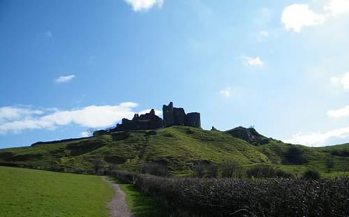 Carreg cennen castle.jpg