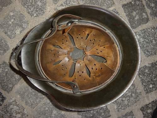 Museum. M42 helmet liner..jpg