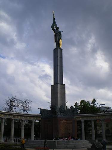 Click image for larger version.  Name:Befreiungsdenkmal_02.JPG Views:1 Size:79.3 KB ID:679879