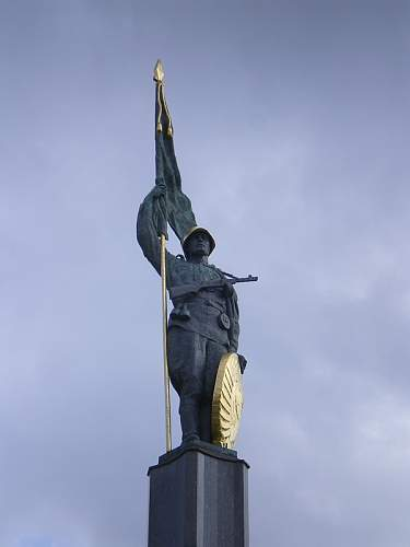 Click image for larger version.  Name:Befreiungsdenkmal_03.JPG Views:2 Size:45.3 KB ID:679880