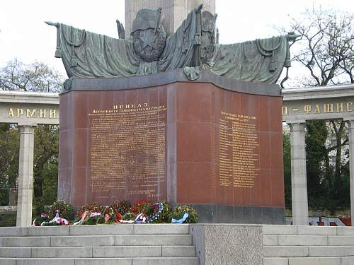 Click image for larger version.  Name:Befreiungsdenkmal_08.JPG Views:1 Size:152.6 KB ID:679885