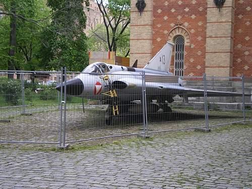 Click image for larger version.  Name:Saab_35_Draken_1.jpg Views:0 Size:108.4 KB ID:681206