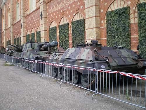 Click image for larger version.  Name:M109-Jaguar.jpg Views:1 Size:109.9 KB ID:681231