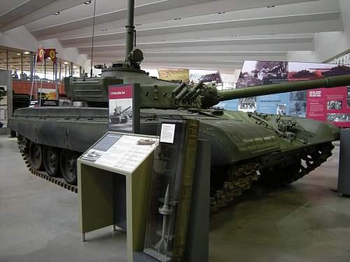 T72 MBT (2).jpg