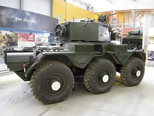 Saladin armoured car (2).jpg