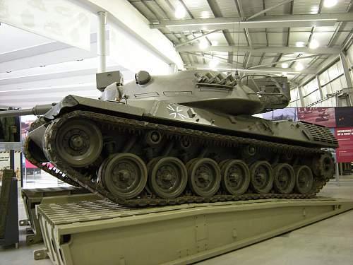 Leopard tank (2).jpg