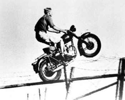 Click image for larger version.  Name:20071212-Steve-McQueen---The-Great-Escape-Photograph-C12150129.jpg Views:43 Size:24.8 KB ID:699847