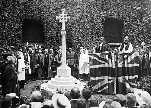 Click image for larger version.  Name:Kitchener's memorial cross in 1916at the church of St Botolph in Bishopsgate, London..jpg Views:0 Size:153.1 KB ID:824524