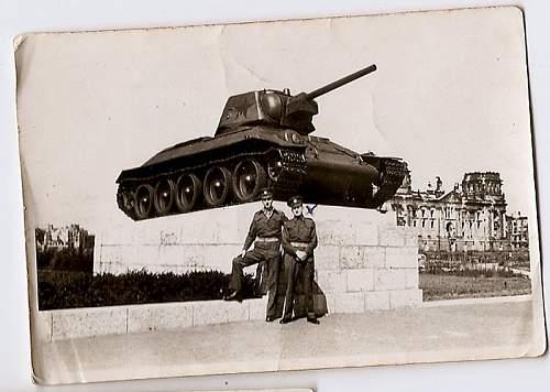 Click image for larger version.  Name:1946-berlin-russian-tank-memorial.jpg Views:1 Size:111.1 KB ID:839041