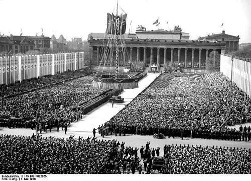Click image for larger version.  Name:Berlin-Altes-Museum-og-Lustgarten1.jpg Views:0 Size:174.3 KB ID:840436