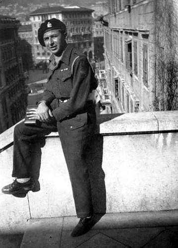 Click image for larger version.  Name:1945-015 1945 Trieste View from steps1D.jpg Views:1 Size:90.9 KB ID:846536