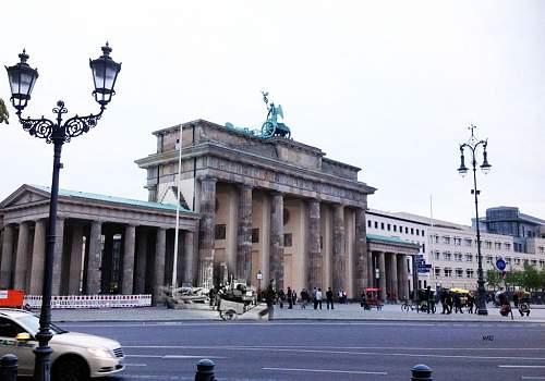 Click image for larger version.  Name:Brandenburg-gateM.jpg Views:0 Size:150.6 KB ID:879642