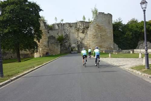 Click image for larger version.  Name:9 Coucy Le Chateau - La porte de Laon 0923-1127.jpg Views:0 Size:166.0 KB ID:907869